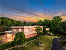 Mansions Spectacular Home in Warwick Hills Estates