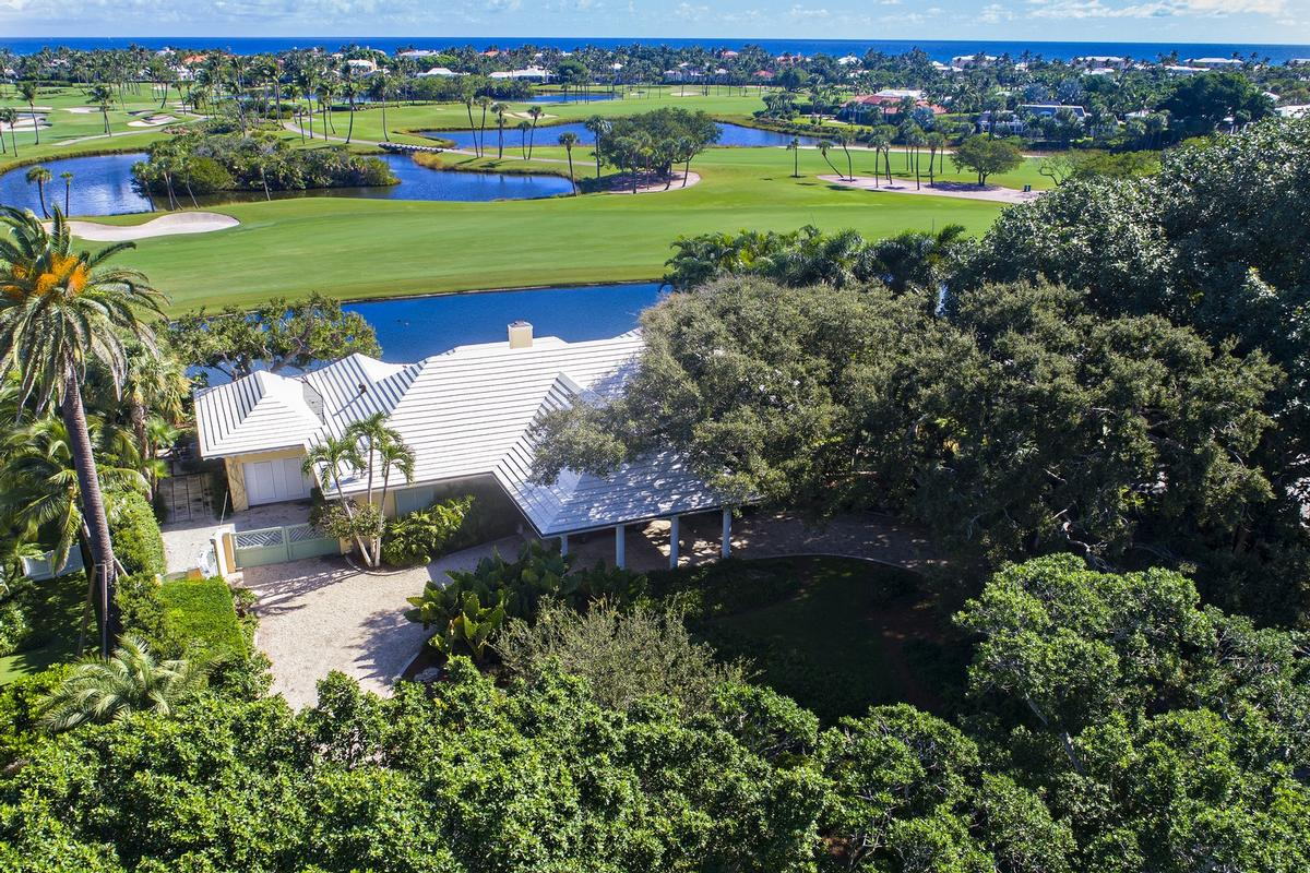 Endless Golf and Water Views luxury homes