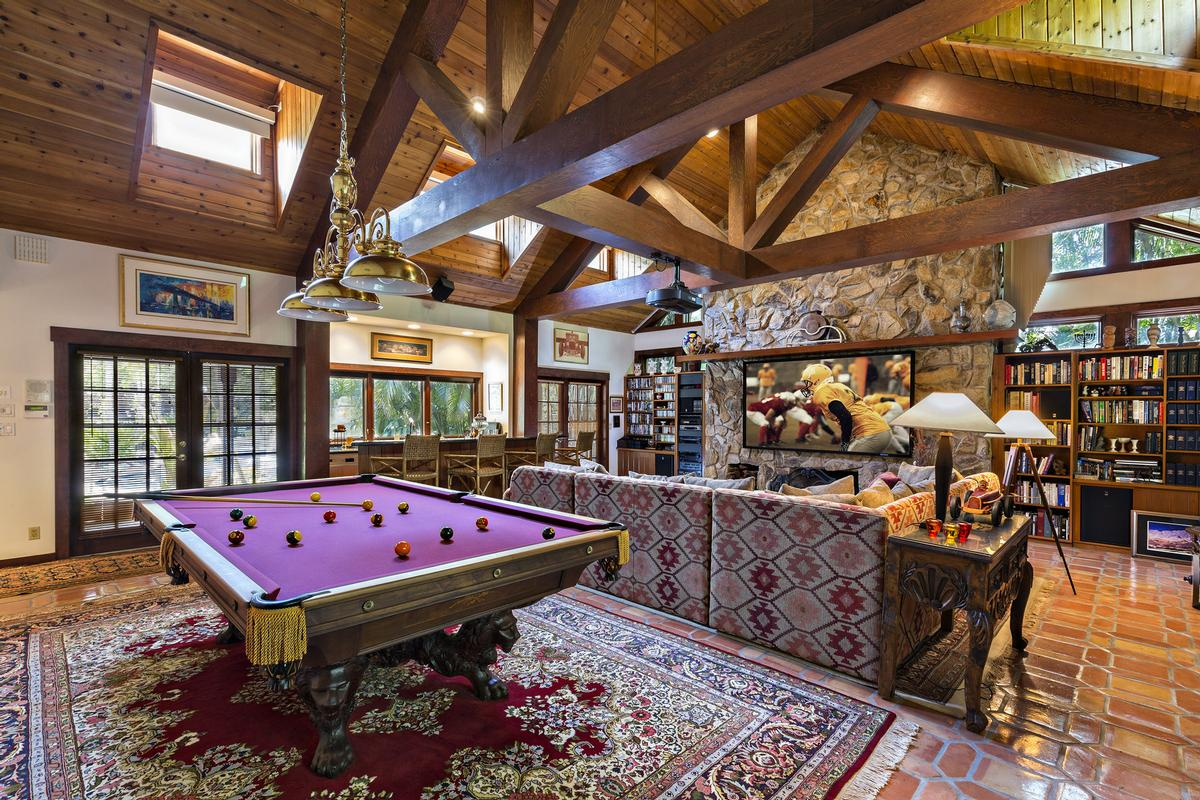 Tropical North Palm Beach Hideaway  luxury real estate
