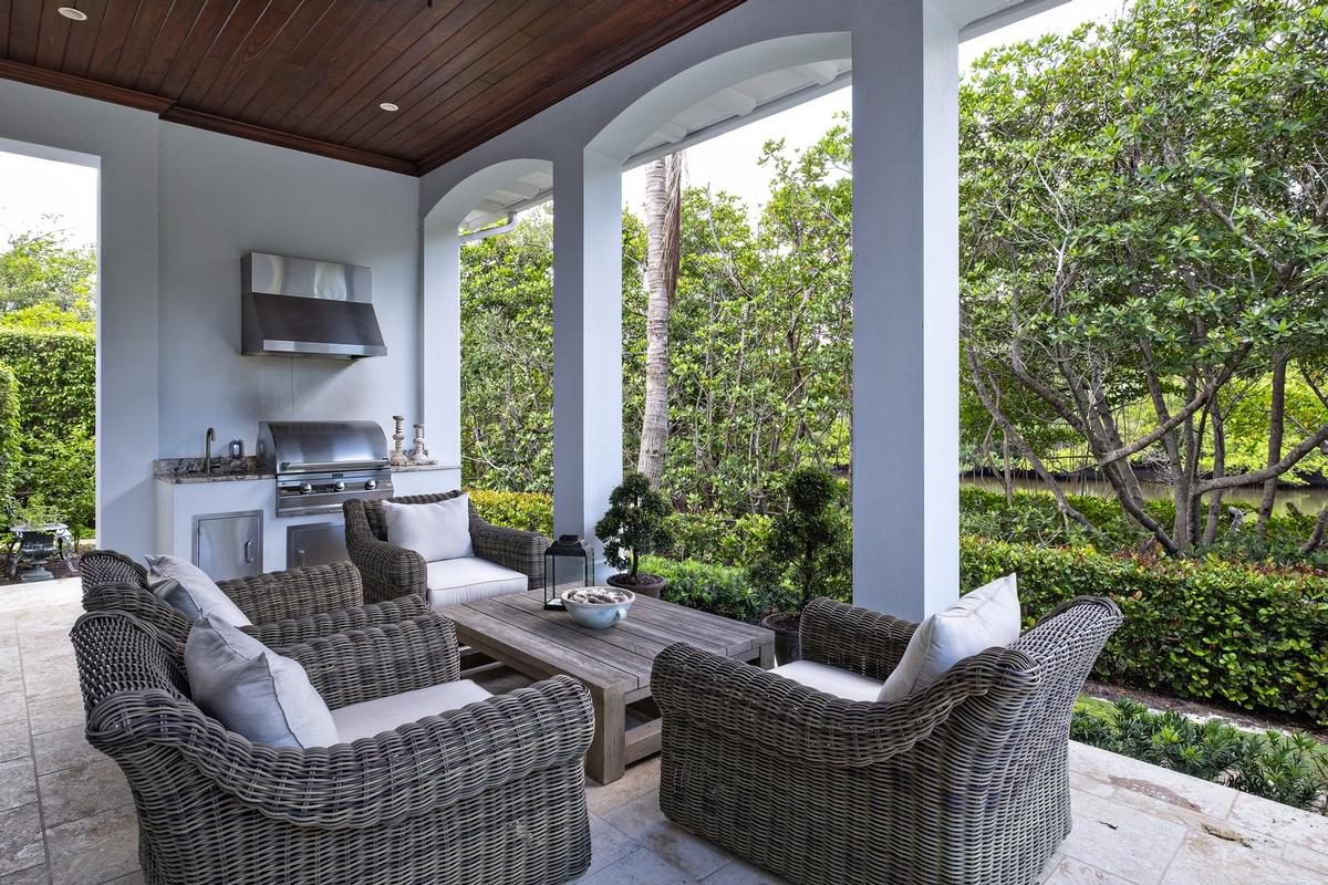 Luxury homes in Seminole Landing At Its Best