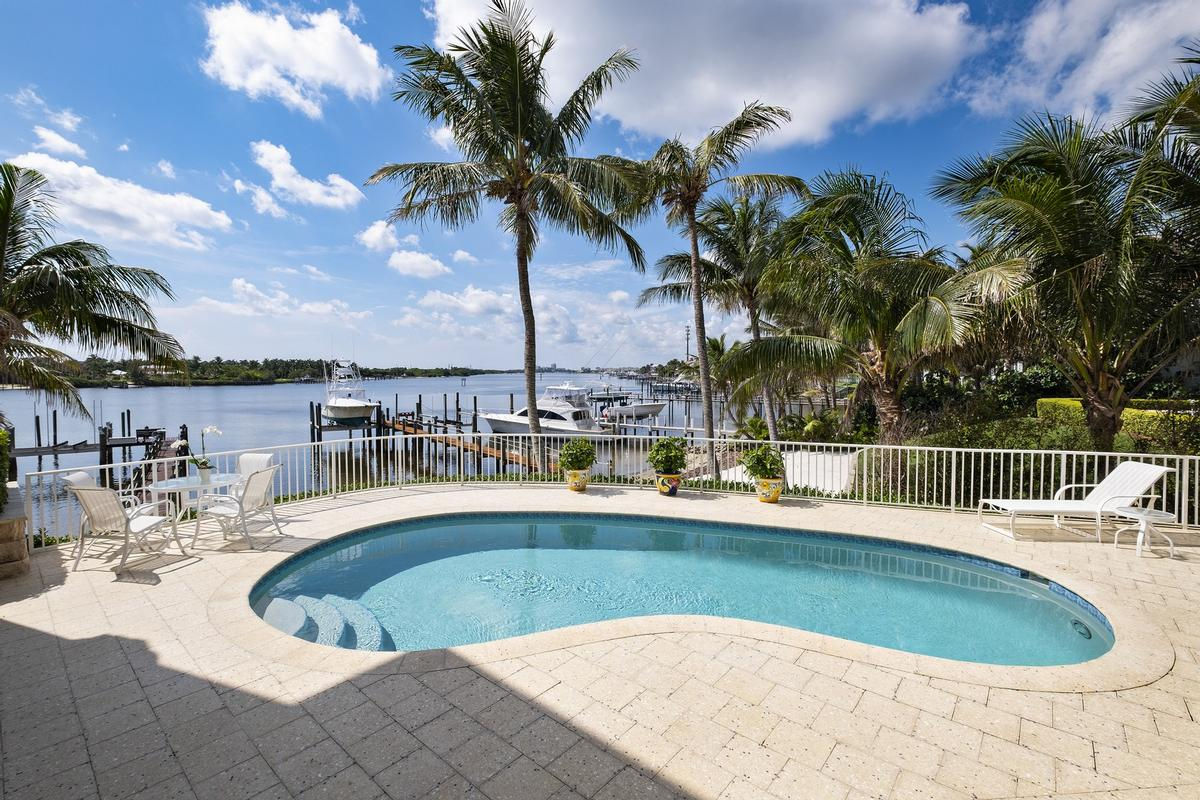 Luxury real estate Spectacular Views in Paradise