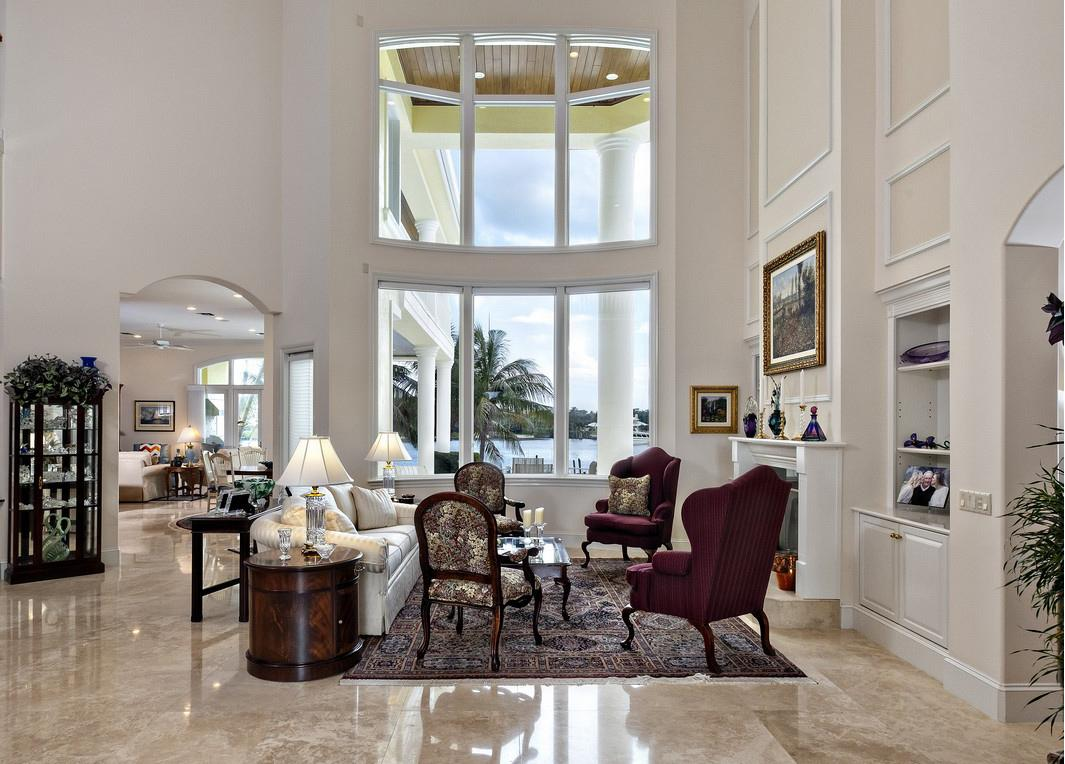 Luxury homes Spectacular Views in Paradise