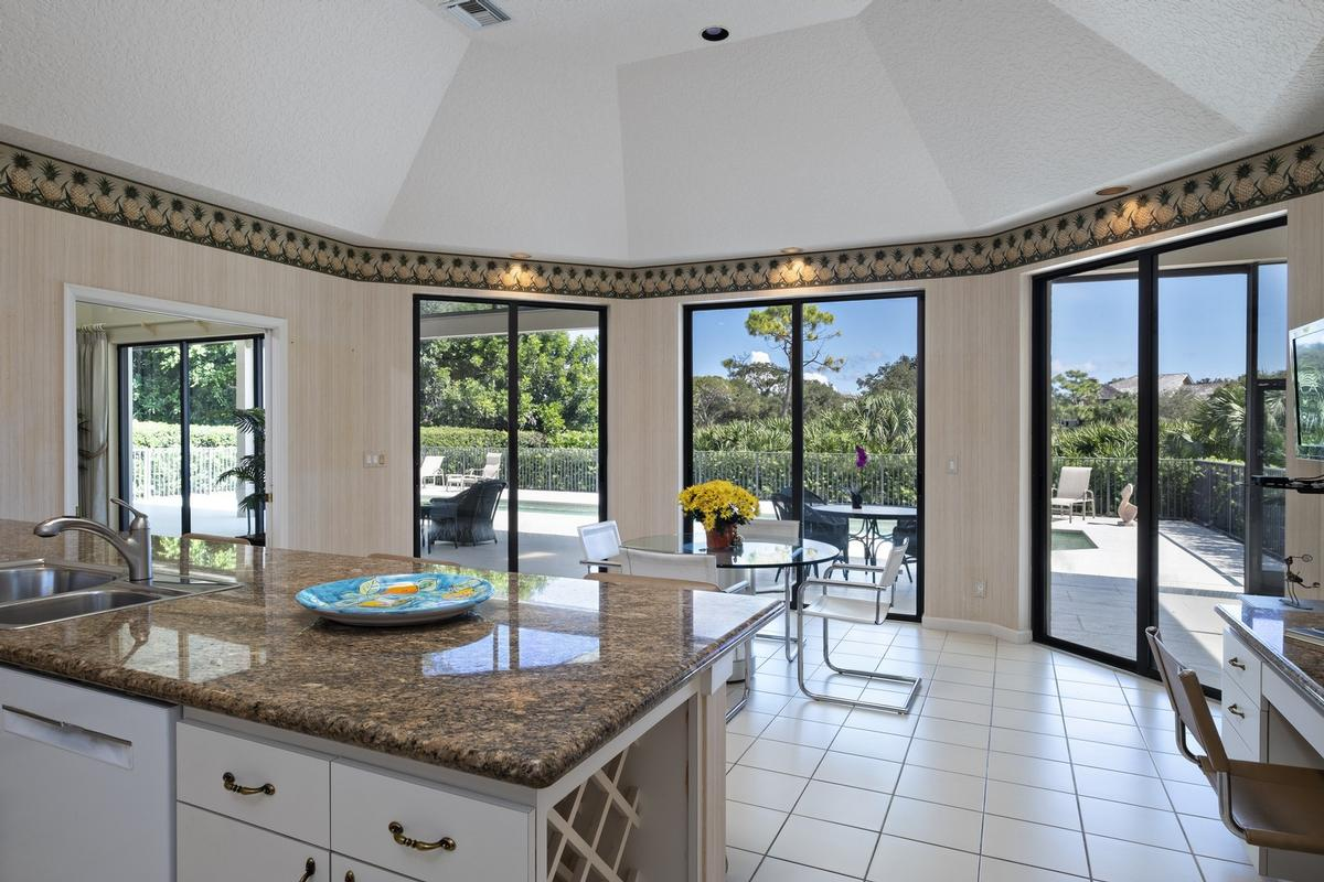 Luxury real estate The Pinnacle of Florida Living
