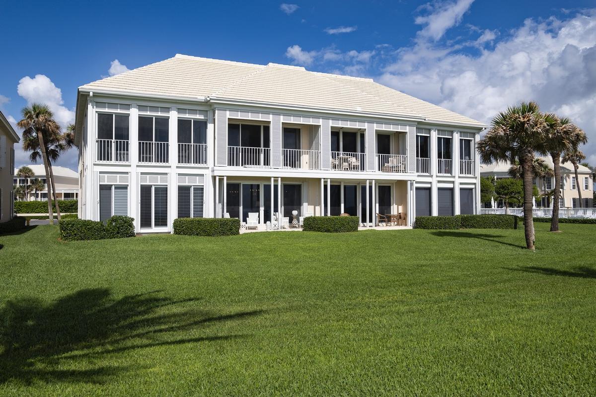 Oceanfront Jewel luxury homes