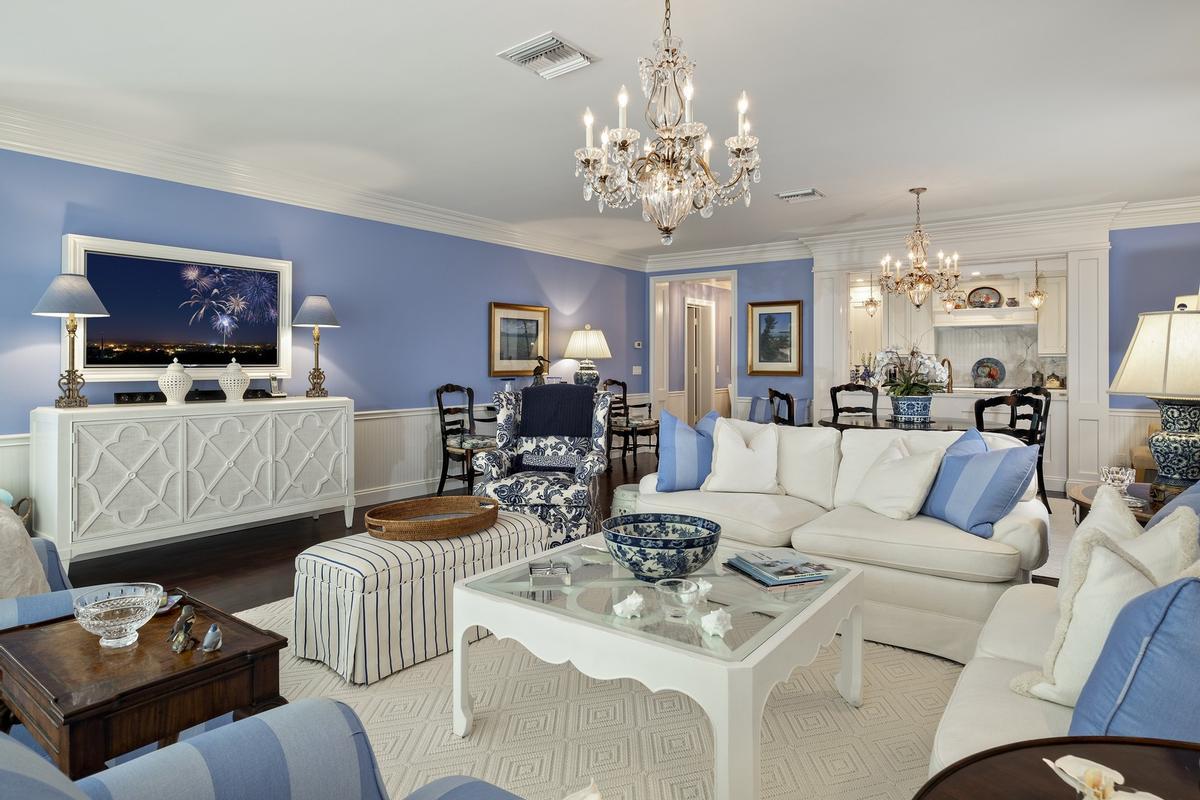 Luxury homes Oceanfront Jewel
