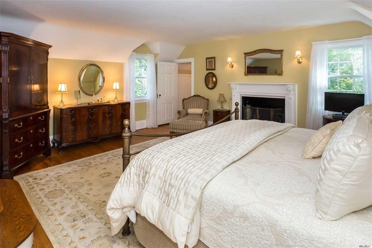 Mansions East Hampton Charm