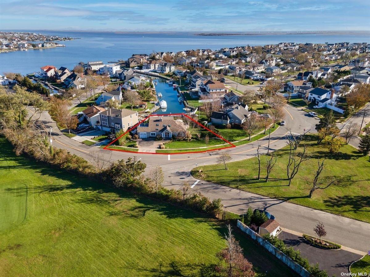Luxury homes STUNNING waterfront dream home