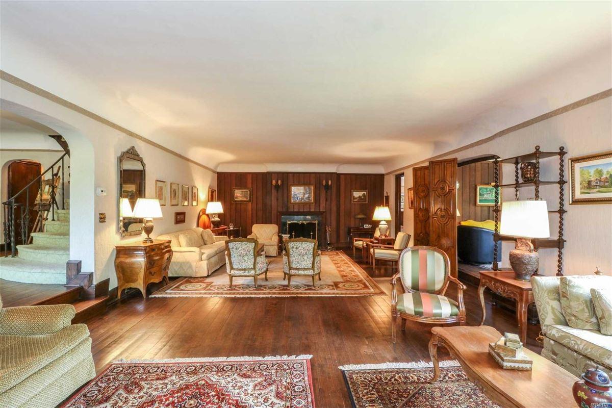 Iconic five bedroom manor luxury properties