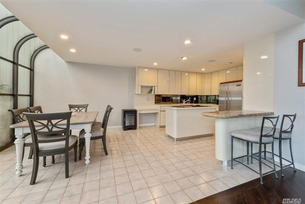 Luxury homes most desirable Cypress end unit with waterfront views