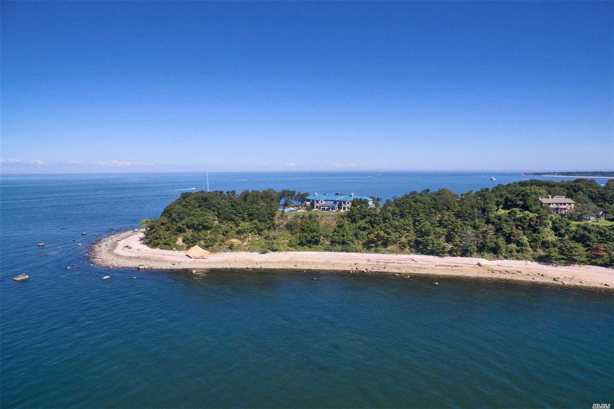 Magnificent waterfront estate on 10-acre peninsula luxury homes