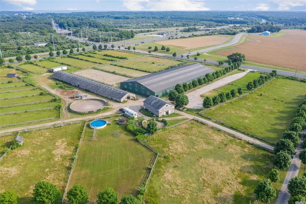 Luxury homes Dream Come True Equestrian farm