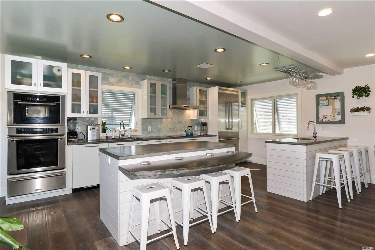 Luxury homes  Crown Jewel in west islip