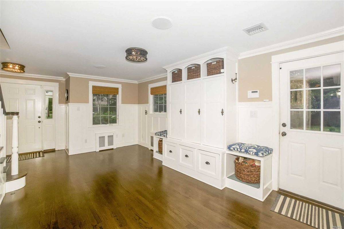Luxury homes gorgeous colonial home on one acre