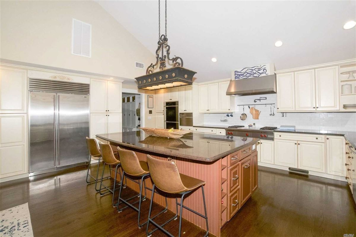 Luxury real estate gorgeous colonial home on one acre