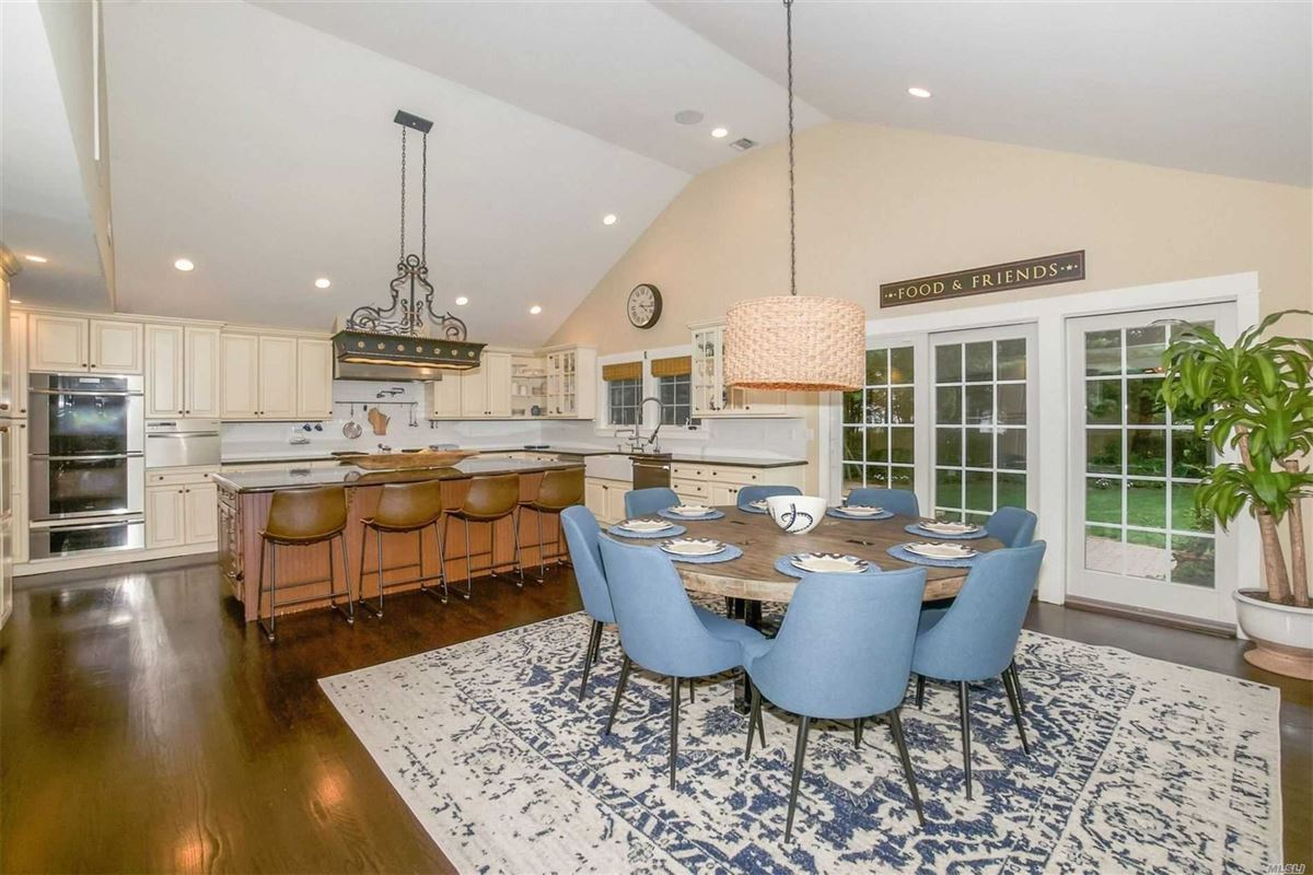 gorgeous colonial home on one acre luxury real estate