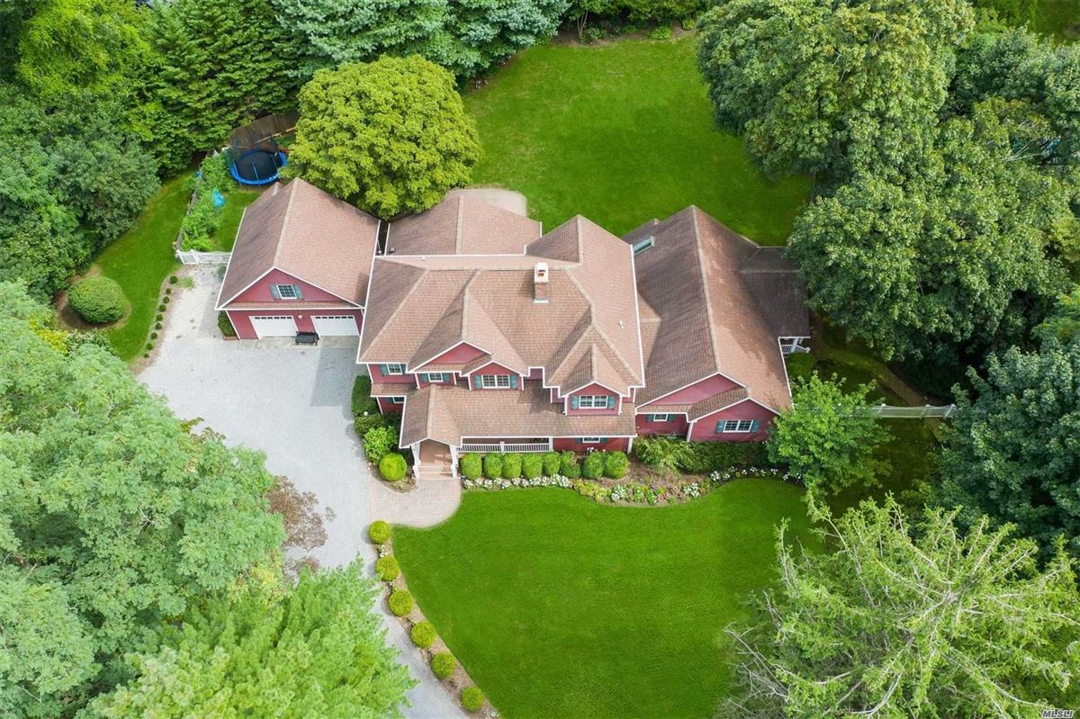 gorgeous colonial home on one acre luxury homes