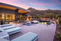 Luxury real estate distinctive contemporary home in Stone Canyon