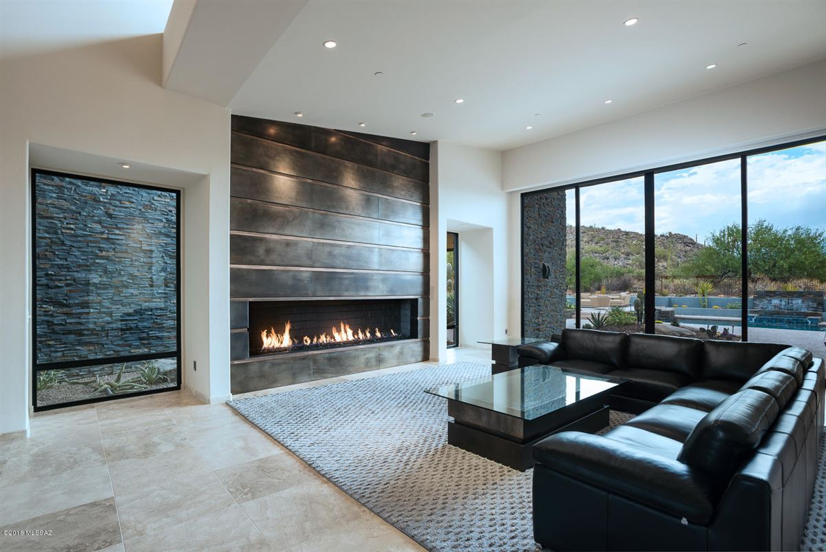 Luxury properties distinctive contemporary home in Stone Canyon