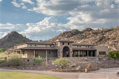 distinctive contemporary home in Stone Canyon luxury properties