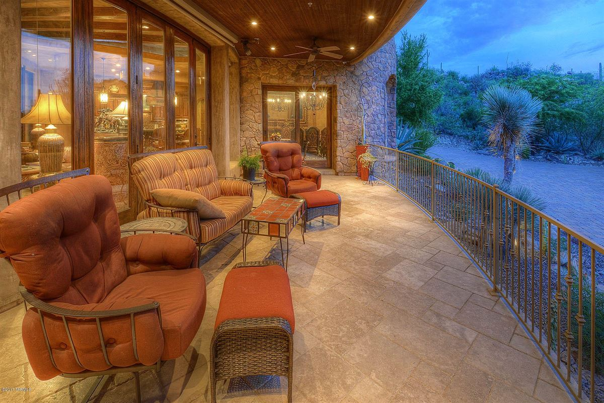 Luxury real estate dramatic Southwestern contemporary