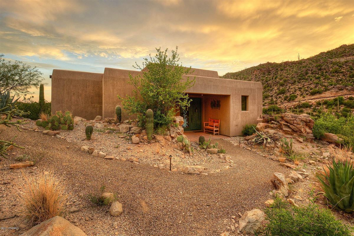 dramatic Southwestern contemporary luxury homes