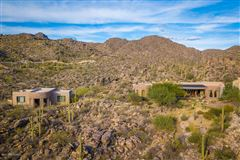 dramatic Southwestern contemporary luxury properties