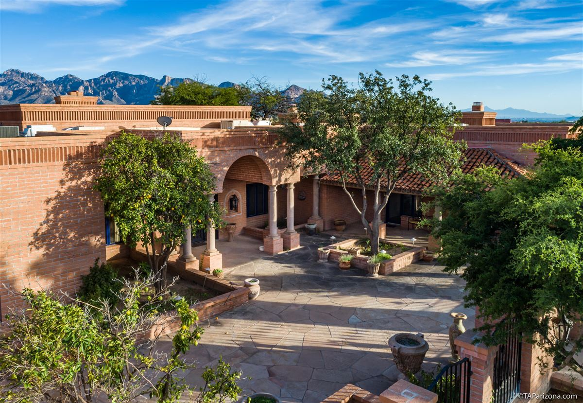 exclusive gated property in La Cholla Airpark mansions