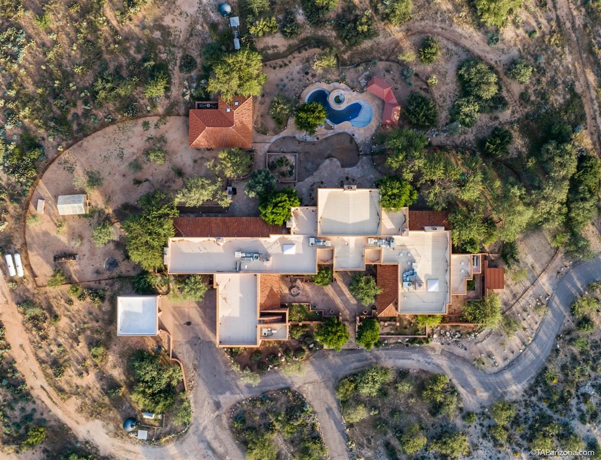 Mansions in exclusive gated property in La Cholla Airpark
