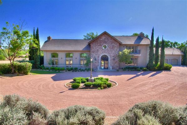 majestic estate in Arizona luxury properties