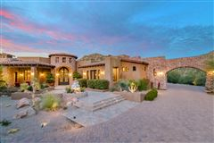 Luxury properties Tuscan masterpiece in marana