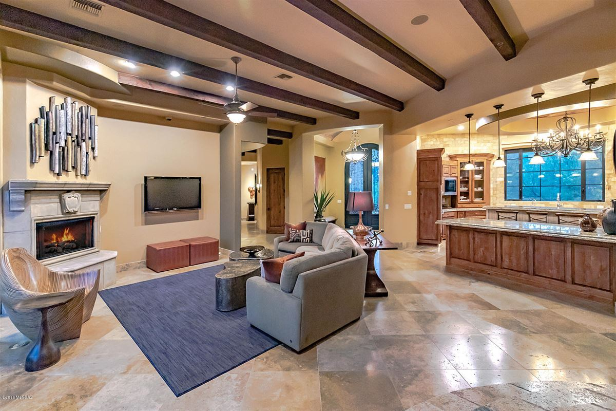 Mansions Tuscan masterpiece in marana