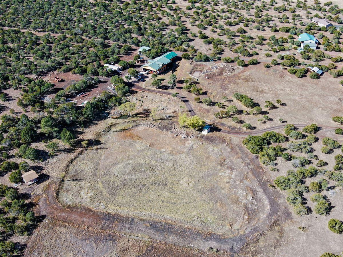 Mansions remarkable log cabin home on 35 acres