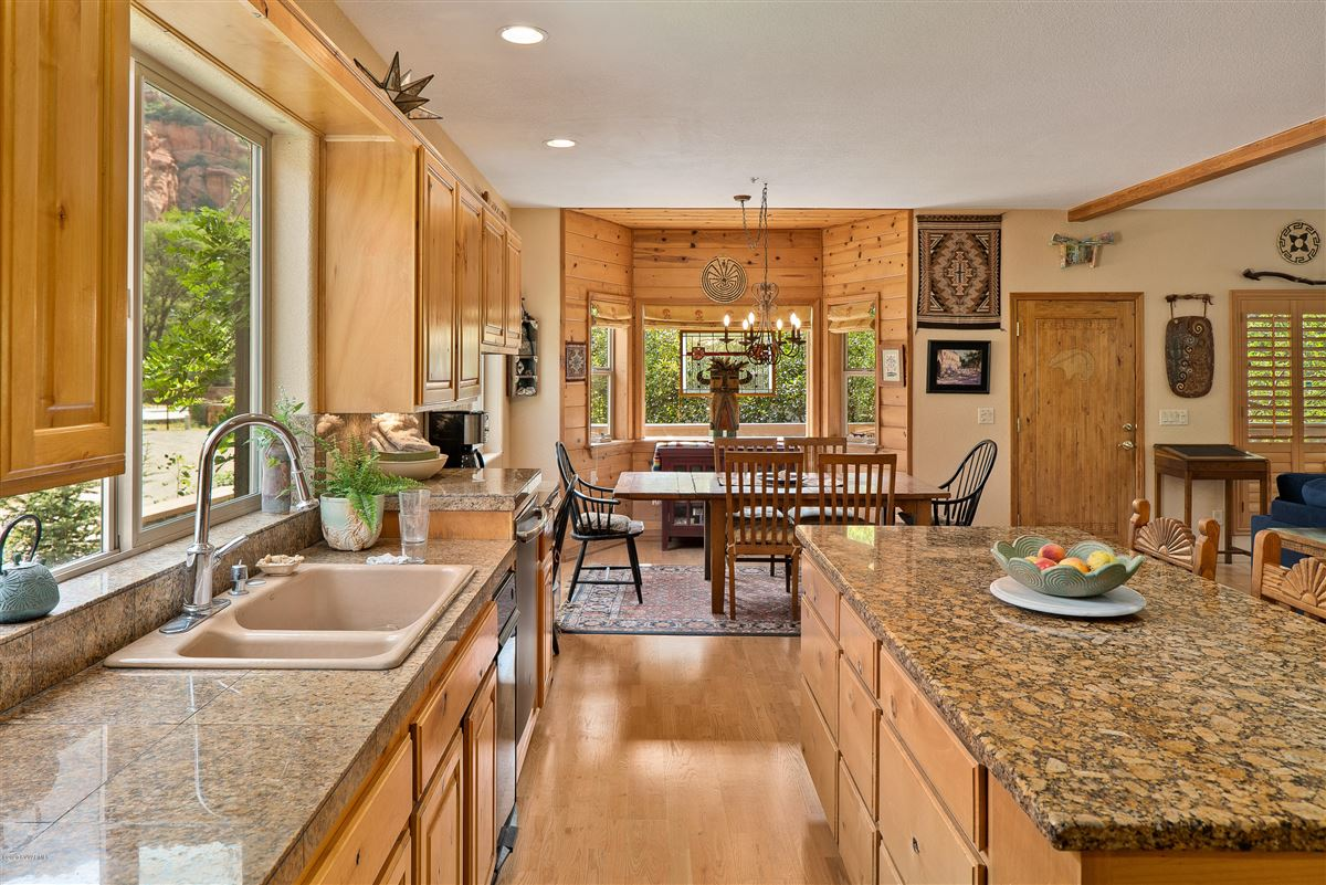 Mansions in Gorgeous creek location offers the perfect blend of tranquility andcharm