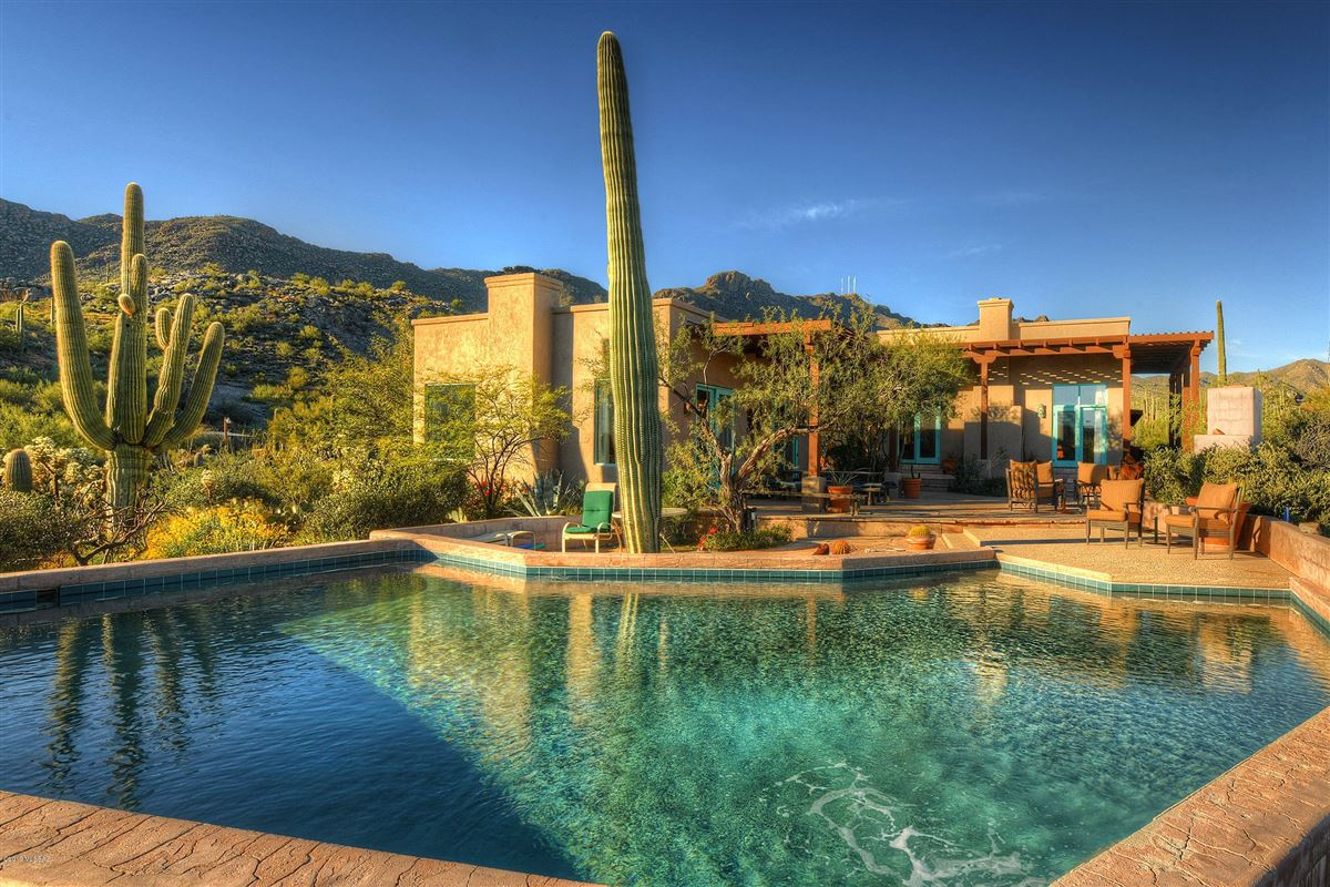 BEAUTIFUL DESERT VISTAS IN TUCSON | Arizona Luxury Homes | Mansions