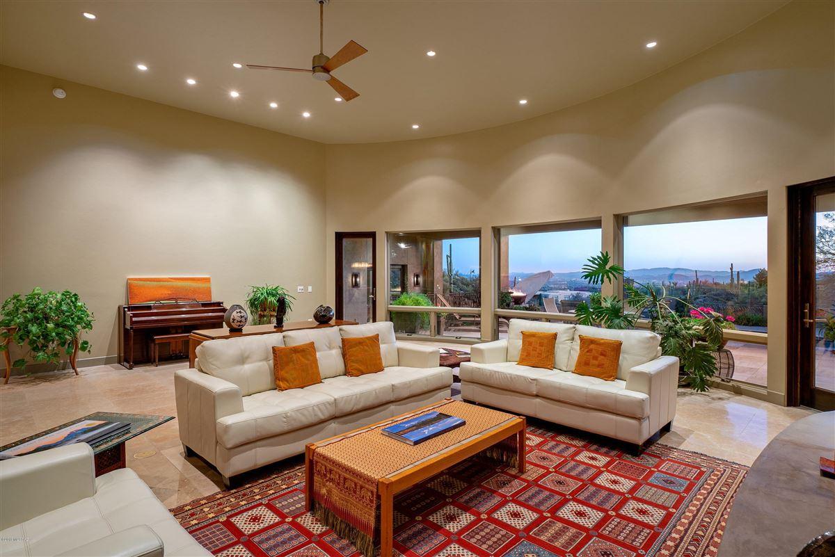 Luxury properties exclusive neighborhood of The Canyons