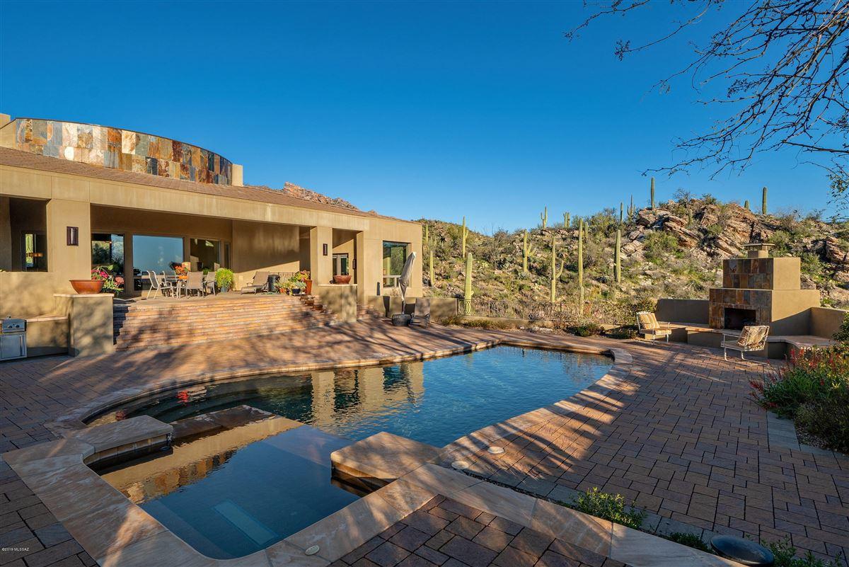exclusive neighborhood of The Canyons luxury real estate