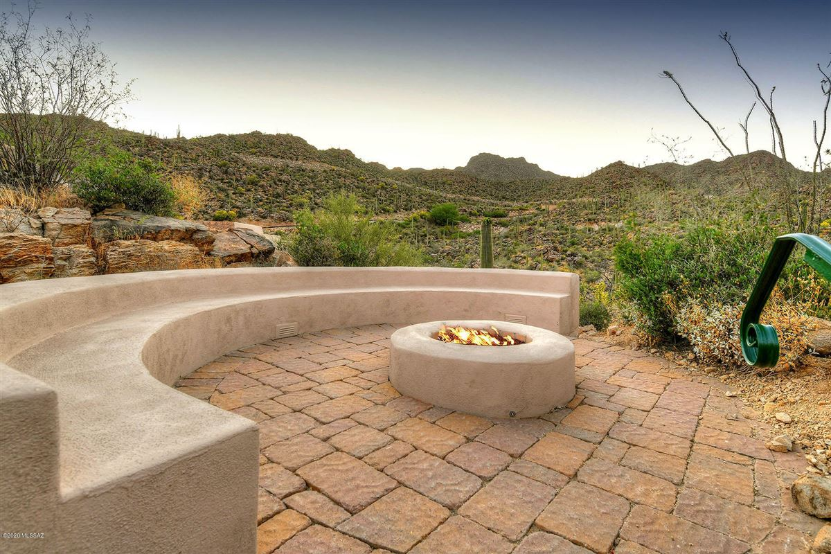 Luxury homes offers panoramic mountain and valley views