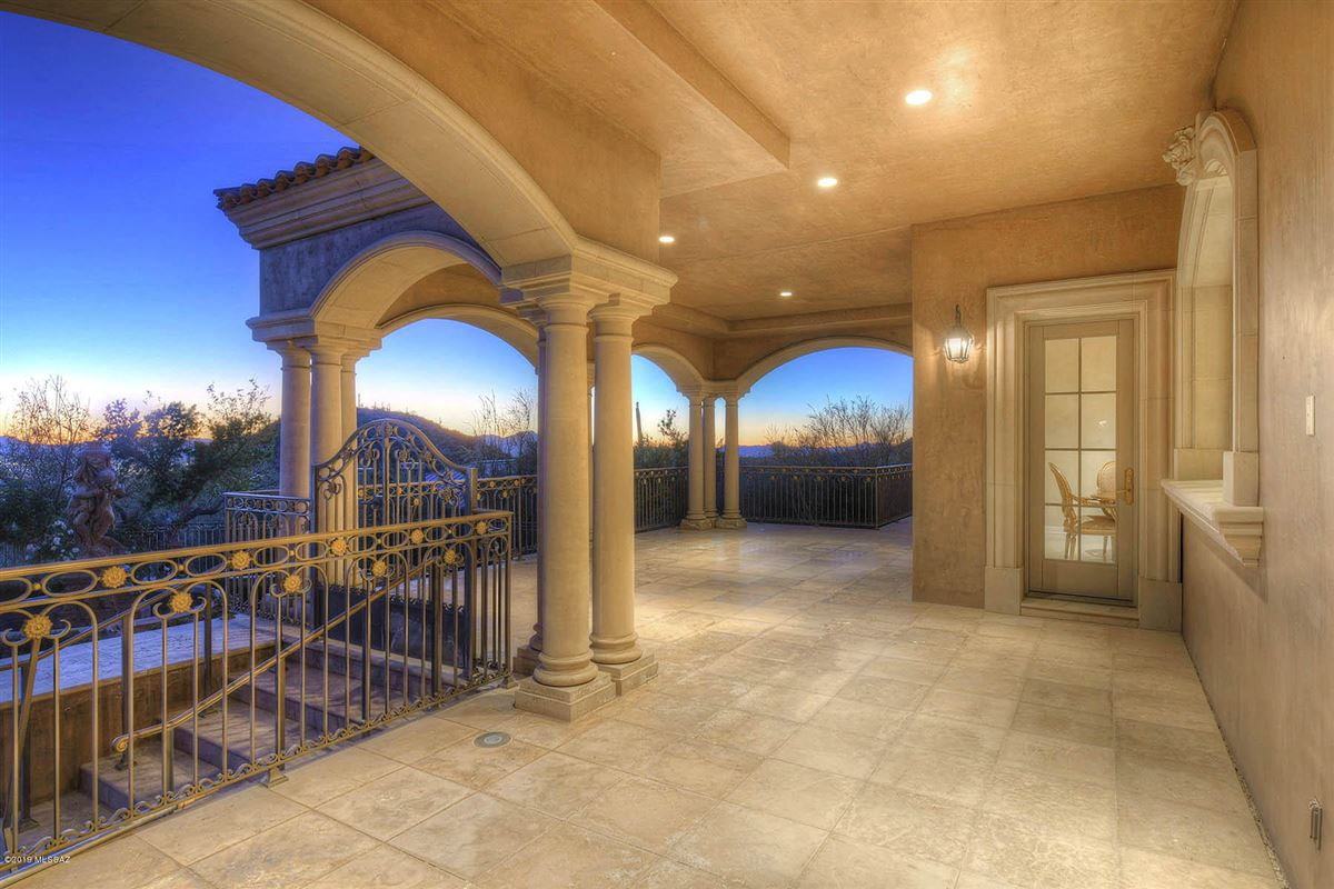 Luxury properties a Fabulous mansion in tucson