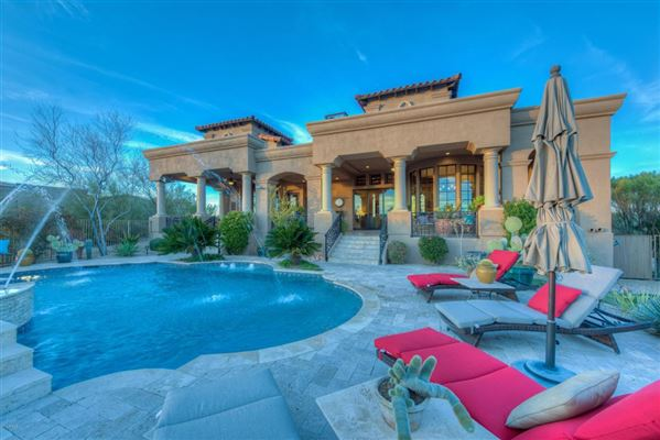 Mansions Sonoran Desert and mountain views