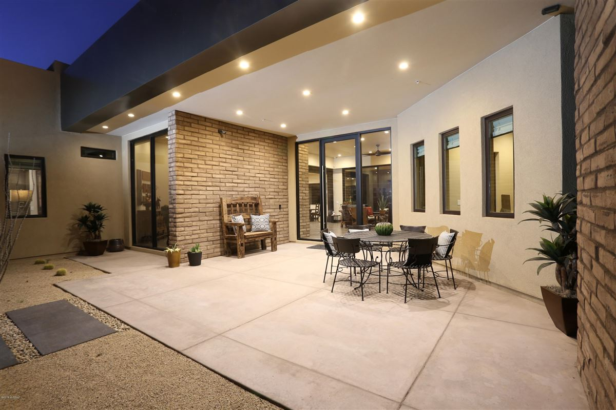 Luxury homes contemporary styled home