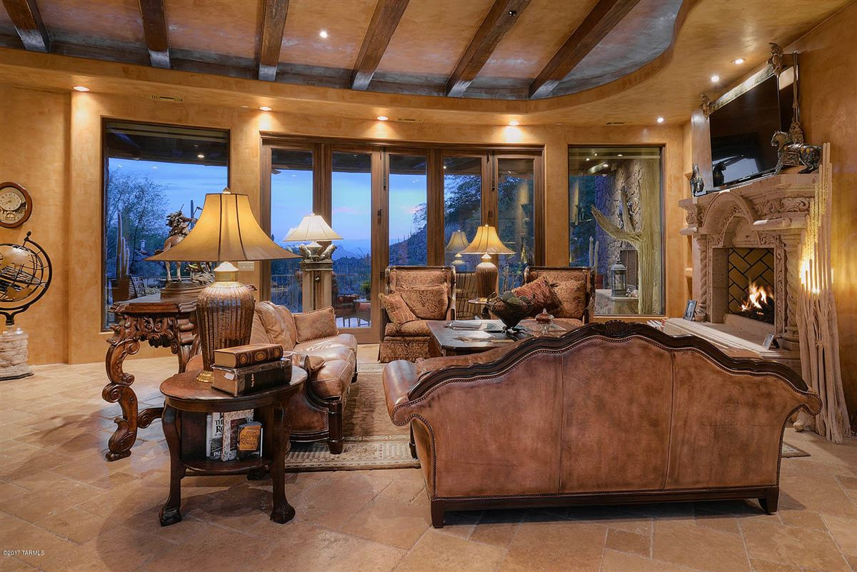 a dramatic Southwestern contemporary luxury real estate