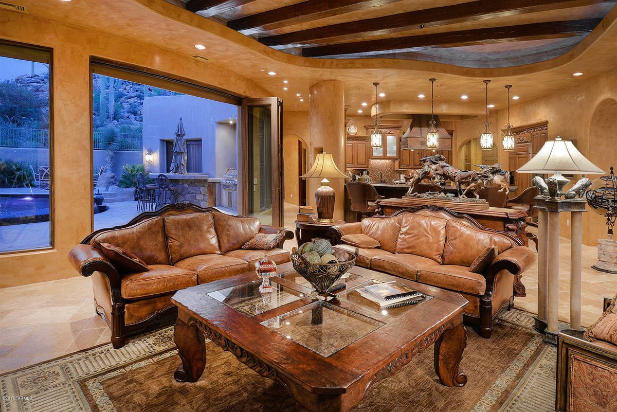 Luxury properties a dramatic Southwestern contemporary