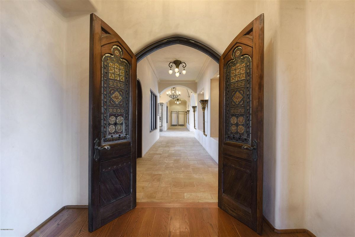 Luxury real estate exclusive gated property in La Cholla Airpark