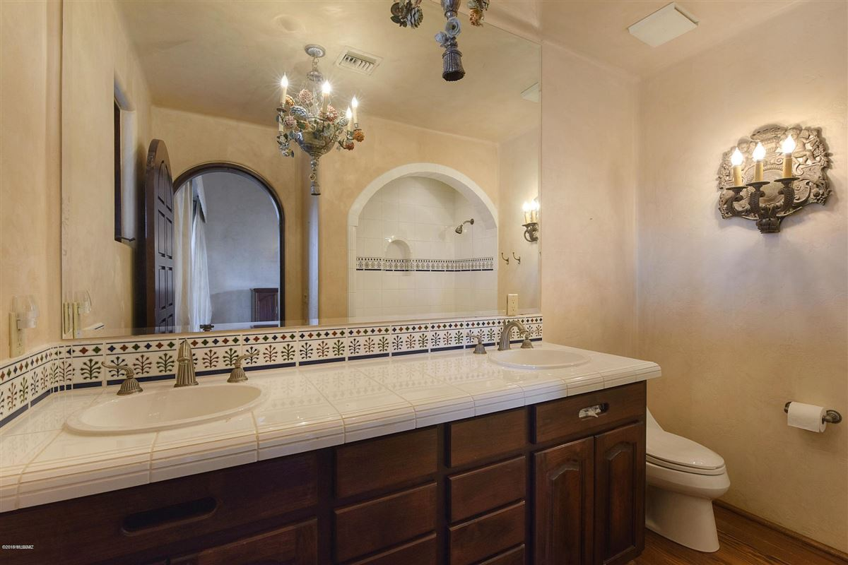 exclusive gated property in La Cholla Airpark luxury properties