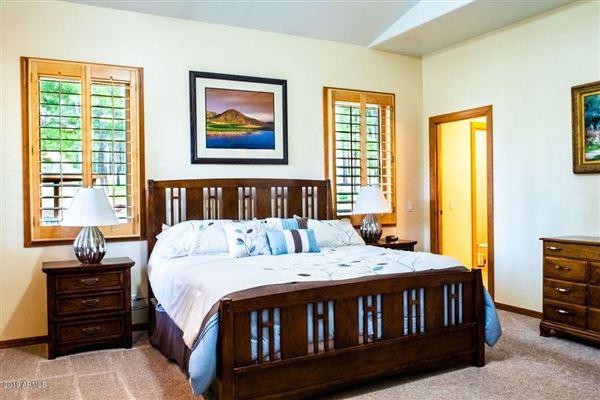 Gorgeous single-level custom home on the fairway luxury properties