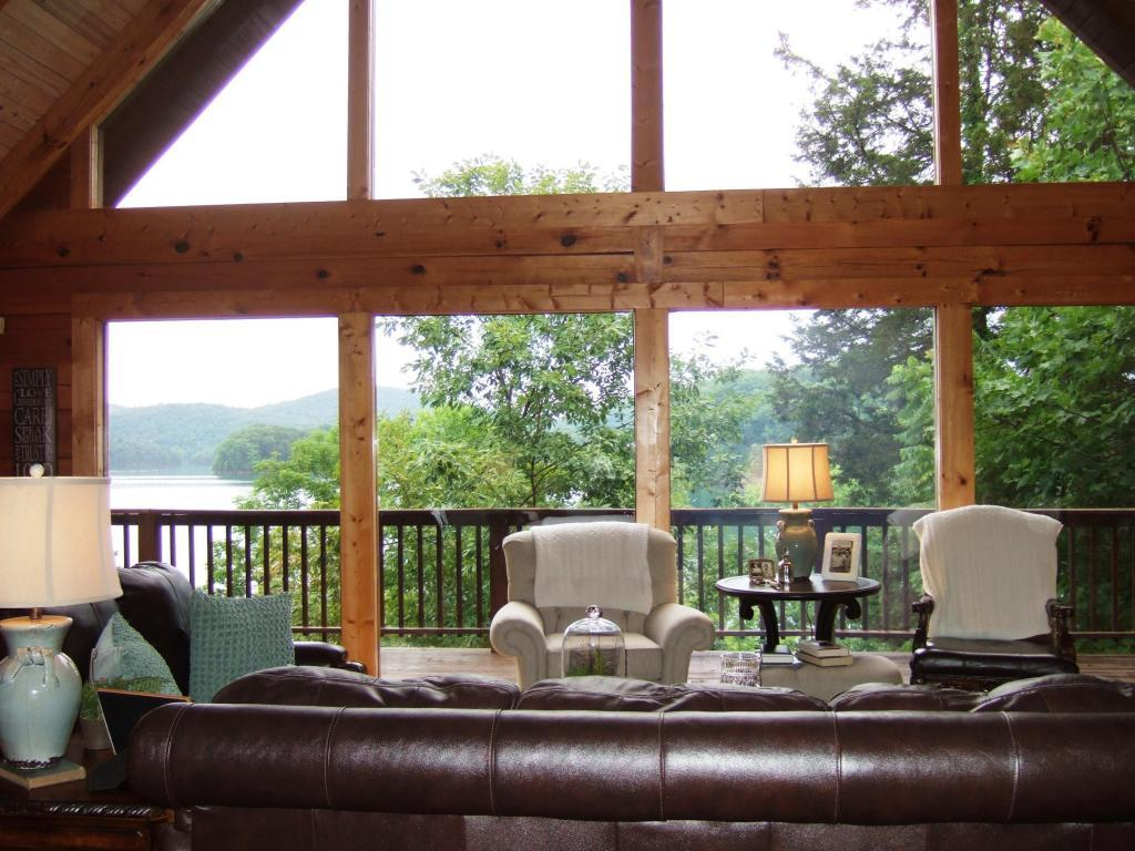 Luxury homes in norris lake front custom built log home