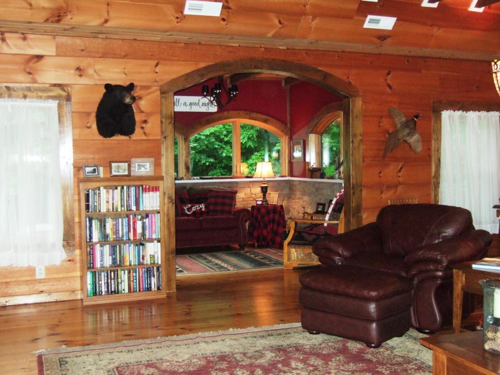 Luxury homes norris lake front custom built log home