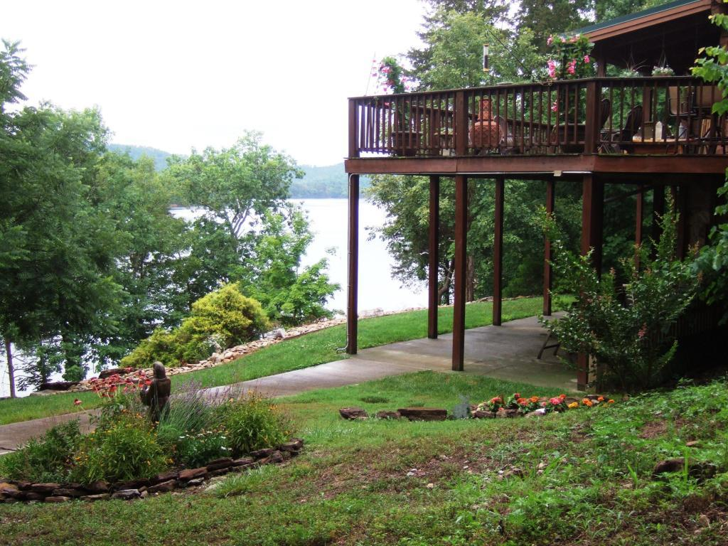 Luxury homes norris lake front custom built log home