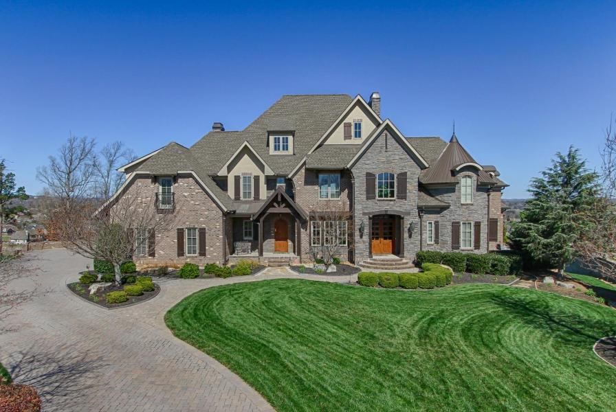 Luxury real estate Farmgate Lane 12800