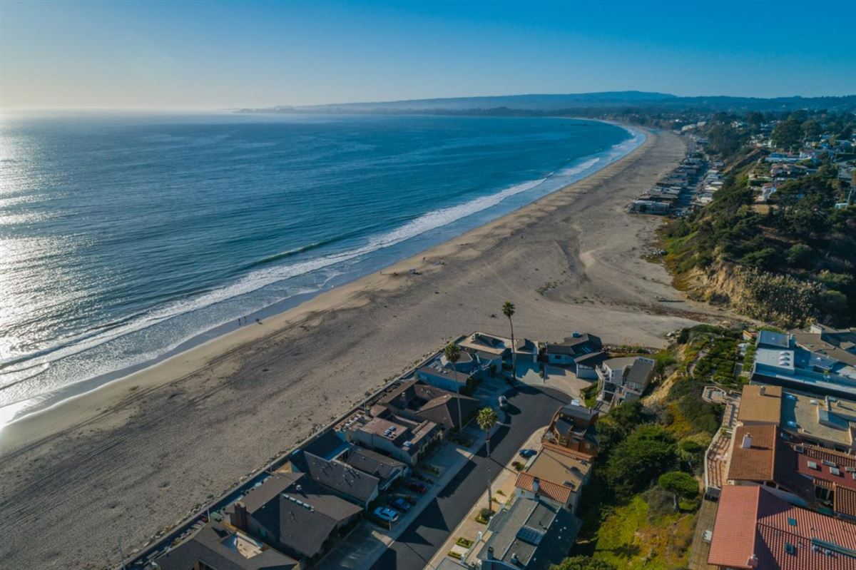 Luxury real estate Ultimate Beach home luxury in aptos